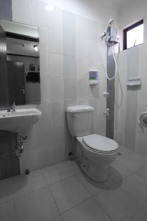 New Era Pension Inn Cebu: our typical bathroom