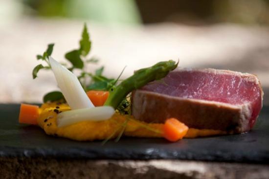Trespais: Yellowfin Tuna Steak