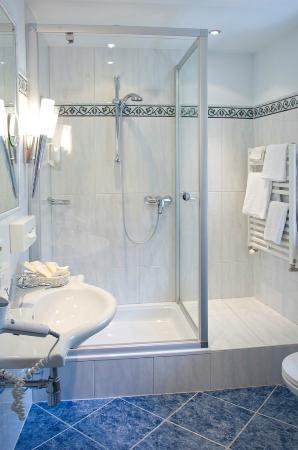 Seebockenhotel Zum Weissen Hirschen: Badezimmer