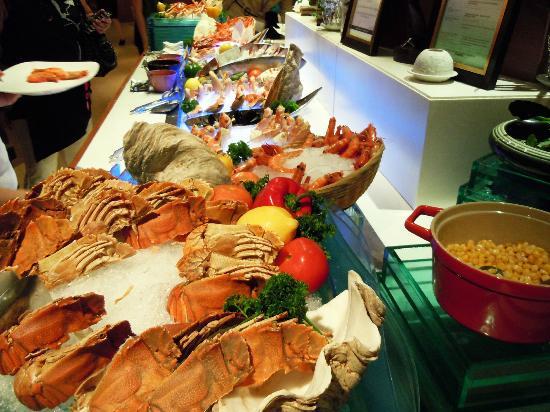 Fresh seafood picture of aquamarine marina mandarin singapore tripadvisor - Hotel mandarin restaurante ...