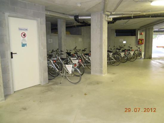 Hotel Olympus: parking vélos