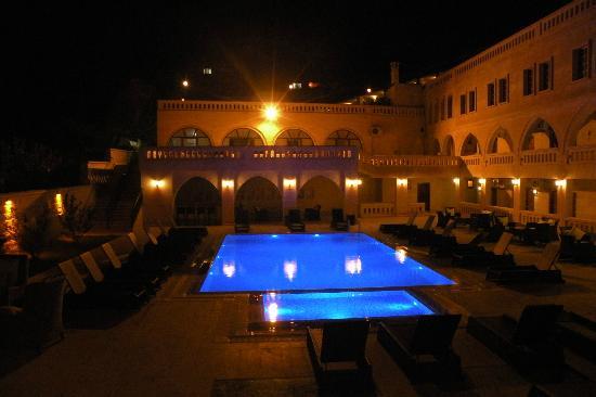Burcu Kaya Hotel: psicine