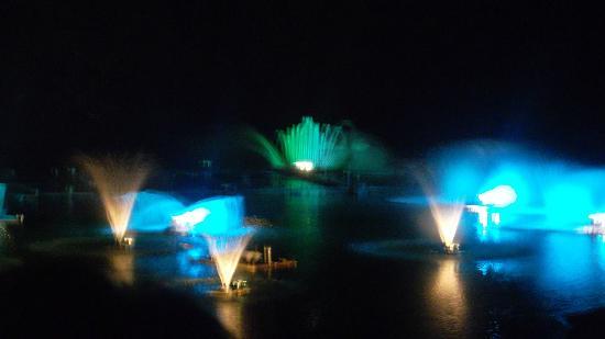 Monteverde, Italy: spettacolo dell'acqua3