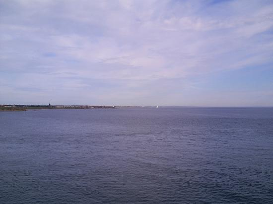 Long Sands Beach: Tynemouth beaches and coast line from the sea