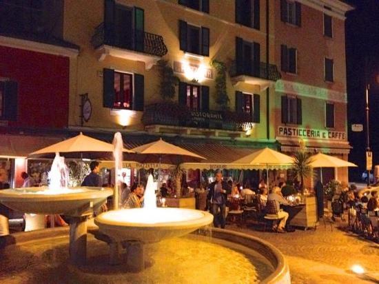 Argegno, Italy: piazzetta