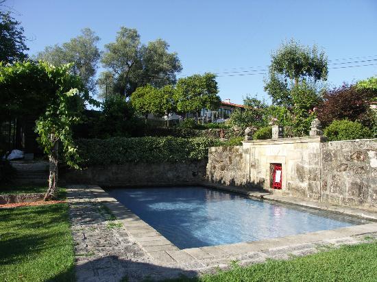 Quinta da Cancela: la piscina in pietra
