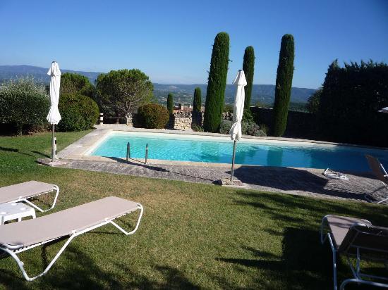 Les Balcons du Luberon: la piscine