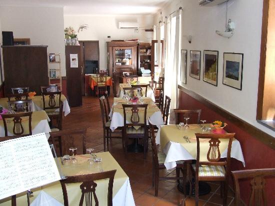 Capodimonte, Italië: Ristorante La Rocca