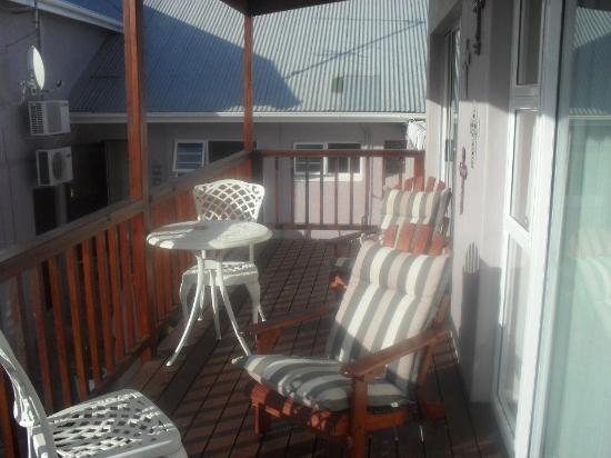 Bramlyn B&B: lovely balcony outside our room