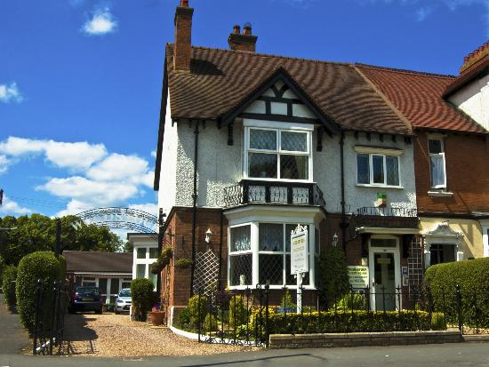 Photo of Woodstock Guest House Stratford-upon-Avon