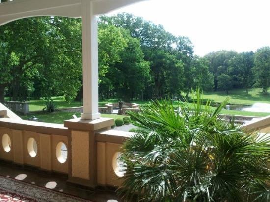 Schlosshotel Wendorf: Terrasse im Erdgeschoss zum Park