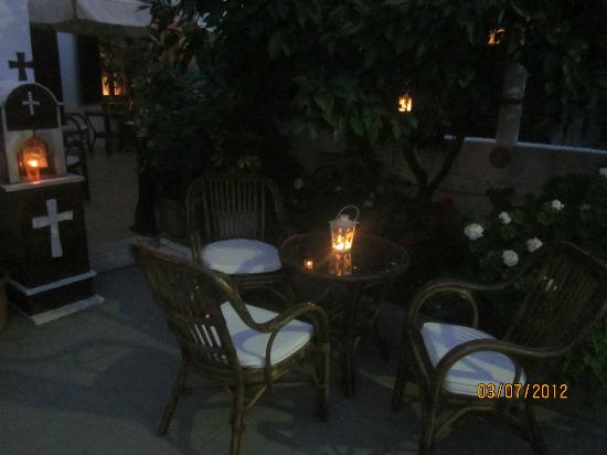 Hotel Morfo: night time with candles