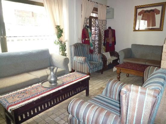Hotel Fehmi Bey: ロビー