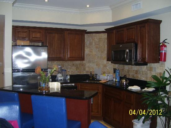 Divi Aruba Phoenix Beach Resort: cocina muy completa