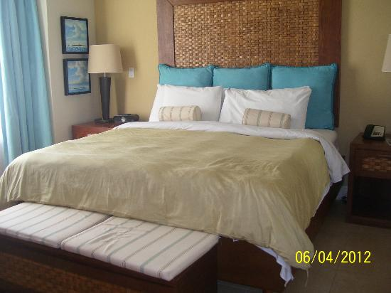 Divi Aruba Phoenix Beach Resort: dormitorio