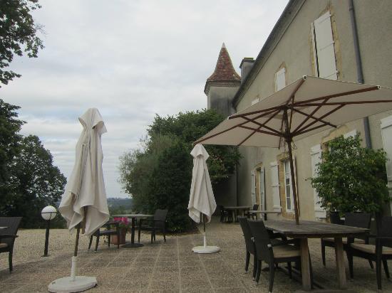 Le Chateau de Projan : rear terrace