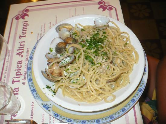 Photo of Italian Restaurant Trattoria Tipica Altri Tempi at Via Sammartino 65, Palermo 90141, Italy