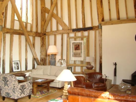 The Barn at Roundhurst: Guest lounge