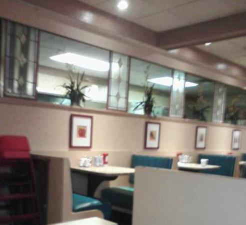 Venus Family Restaurant: Dining room
