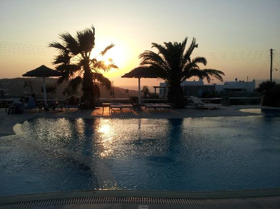 Giannoulaki Hotel : Piscina sunset