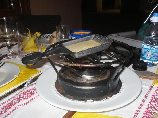 La Taverne de Chamouny : cuisson de raclette