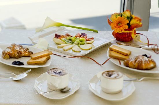 Hotel Riviera: colazione a buffet