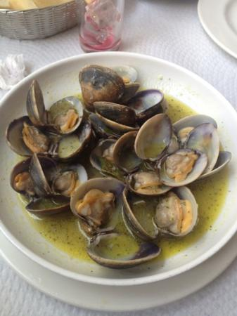 Restaurante Morilla: Almejas en salsa verde casera