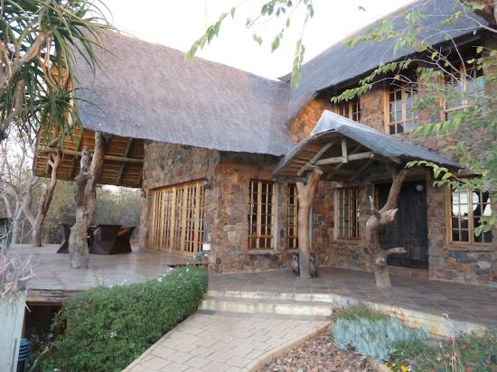 Mokolodi House: The House