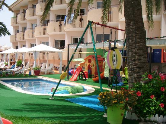 Hotel La Cumbre: Kids play area