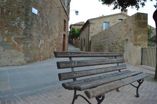 لا لوكاندا دي كاسالموستيا: Panorama del borgo 
