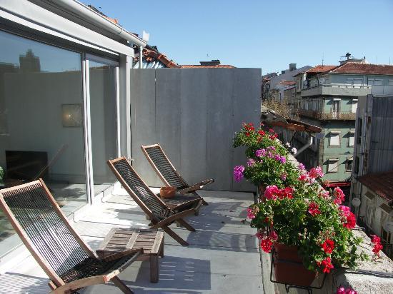 Almada Guesthouse : la terrazza sui tetti