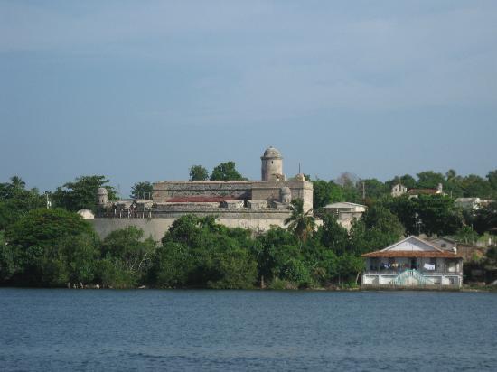 Hotel Rancho Luna: castillo de jagua
