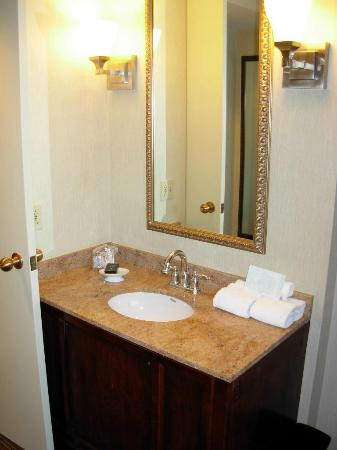 Embassy Suites by Hilton Parsippany: Bathroom