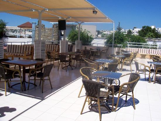 Eken Resort Hotel: taras