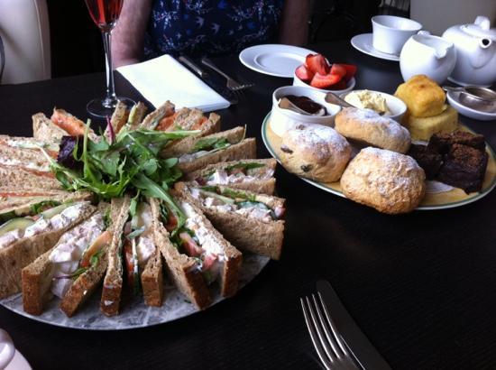 Restaurant at Orestone Manor: full tea