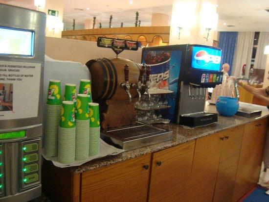 Hard Rock Hotel Tenerife: Drinks on the tap