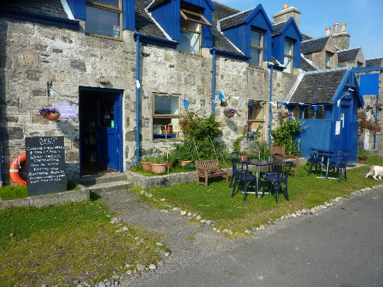 The Island Cafe: The First Port of Coll