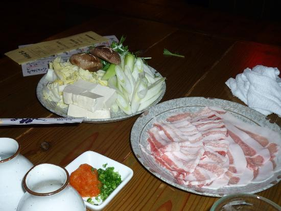 Yoshizaki Shokudo Kumoji Main Branch : アグー豚のしゃぶしゃぶ