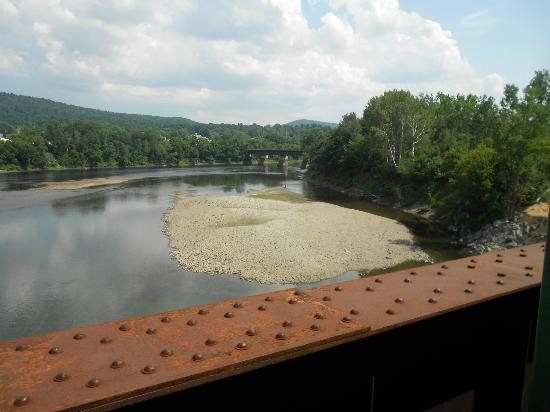 Green Mountain Railroad: Colorado river seperating Vermont from New hampshire