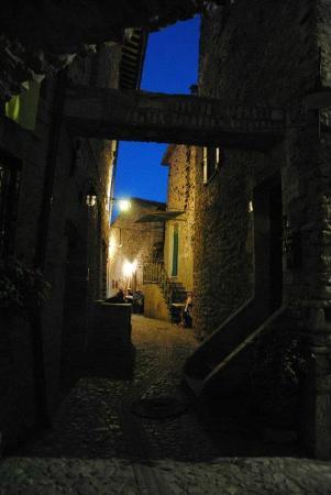 Il Borgo di Messenano : il borgo