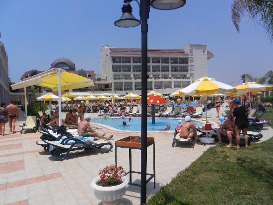 Seher Sun Palace Resort and Spa : На территории отеля шикарные бассейны!