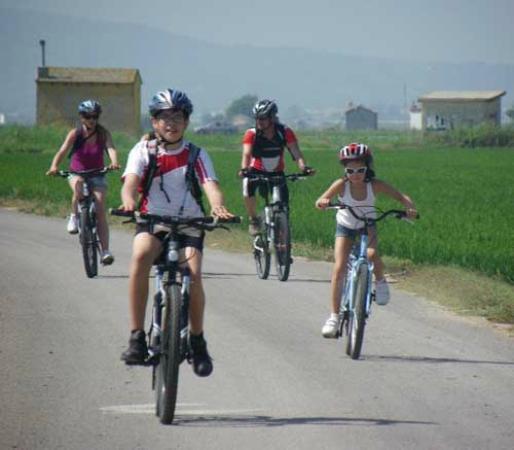 Mountain Biking Valencia   Tours: Guided biking trips for families with children