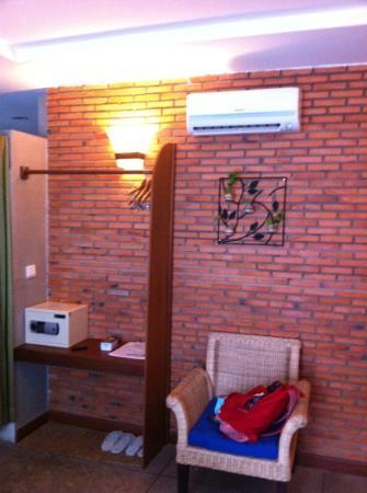 Frangipani Villa-60s Hotel: sec
