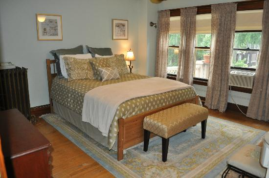 Park Place Bed and Breakfast: Guest Room Queen bed