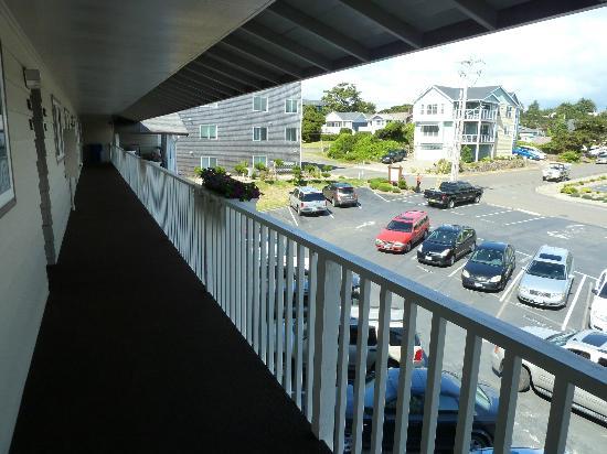 Blick Nach Hinten Zur Stra 223 E Korridor Vor Den Zimmern