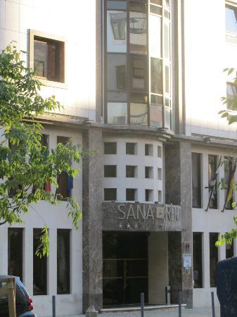 SANA Reno Hotel: front of hotel
