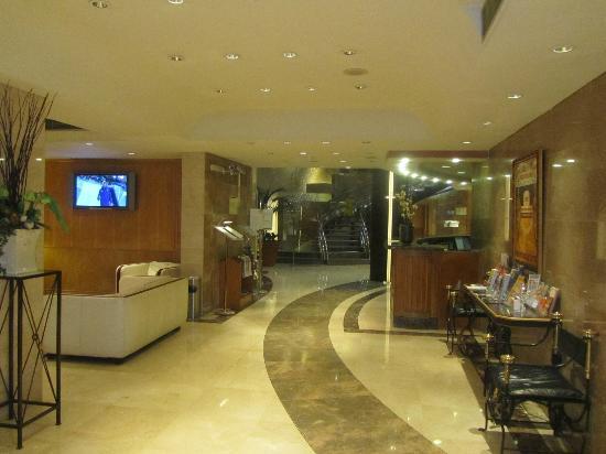 SANA Reno Hotel: lobby