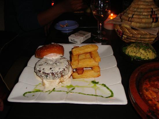Comptoir Darna Marrakech : Le Comptoir Burger - Amazing!! Even the chips!