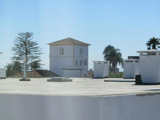 Comfort Inn Ponta Delgada: view from our window across roofs