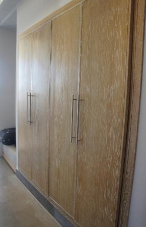 Sirayane Boutique Hotel & Spa : wardrobes
